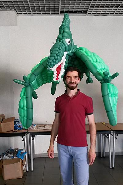 Contacter le sculpteur de ballons à Paris, Benoît Rosemont